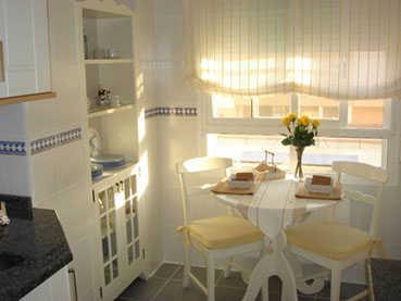 Consejos para decorar un comedor diario decorando for Muebles de comedor diario
