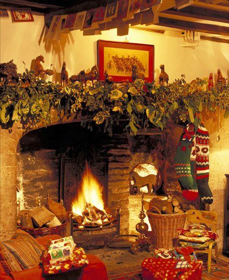 Festi holidays chimeneas con el calor de la navidad for Decoracion navidena rustica