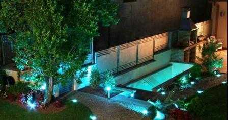 Dise o de jardines cuidado de plantas page 3 for Jardines pequenos con luces